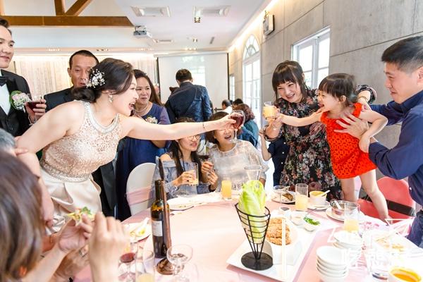 結婚籌備 / 我的訂婚場婚禮攝影師不是關公!「蓋亞影像」蘇棋粗曠外型裡藏著溫柔少女心之我要的畫面他都拍到了