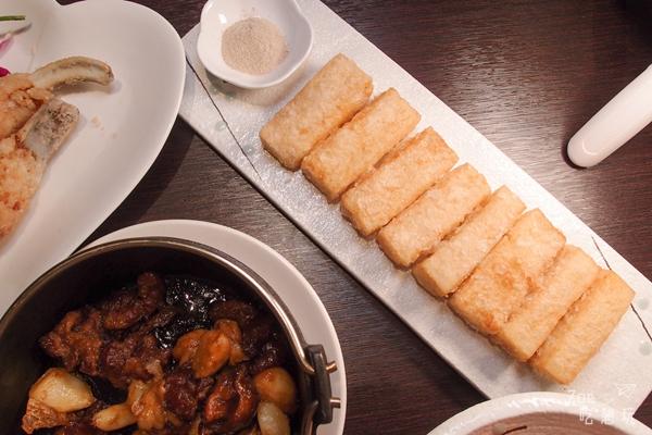 台北餐廳/微風廣場又有新餐廳!「真心台菜」吃得到家味的台灣料理,中化骨綿掌的豬蹄筋必點~